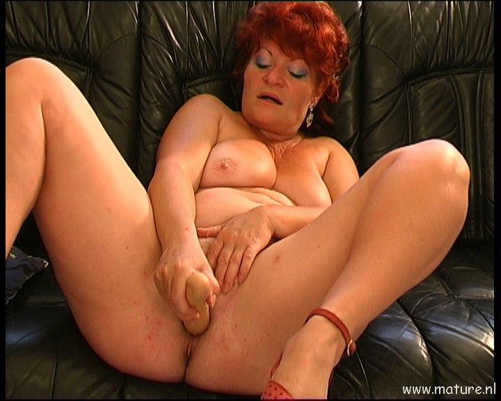 фото голых крупных рыжих бабушек
