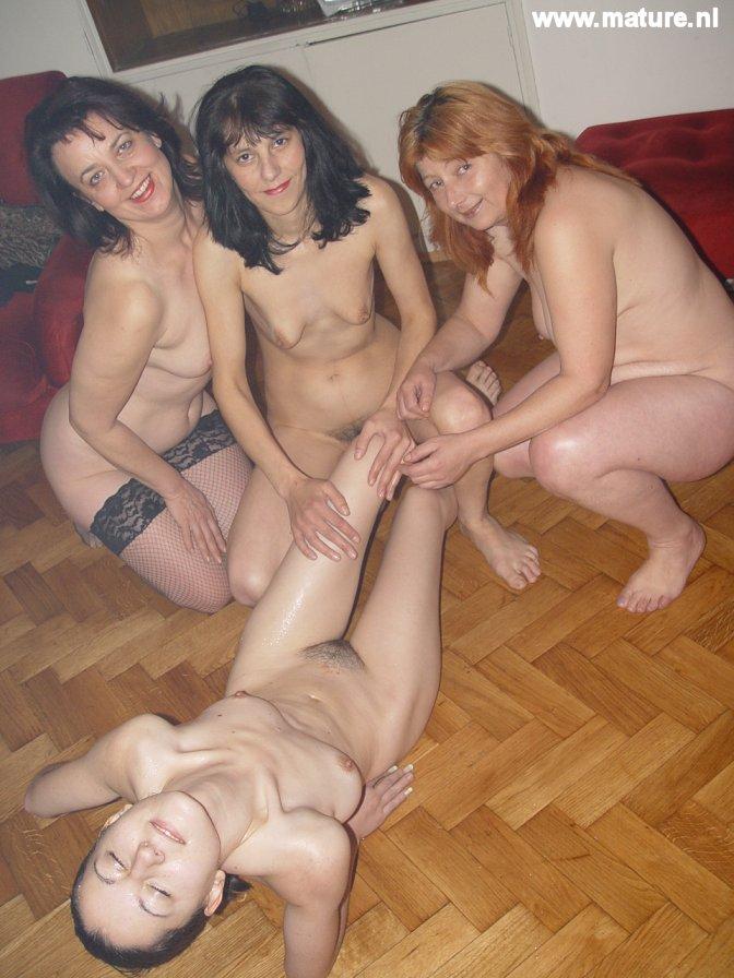 Free bikini babe pictures